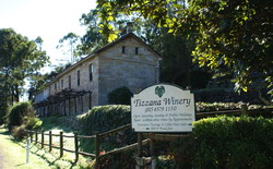 Tizzana Winery Bed & Breakfast