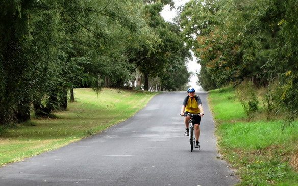 Rural cycling between two historic Hawkesbury towns